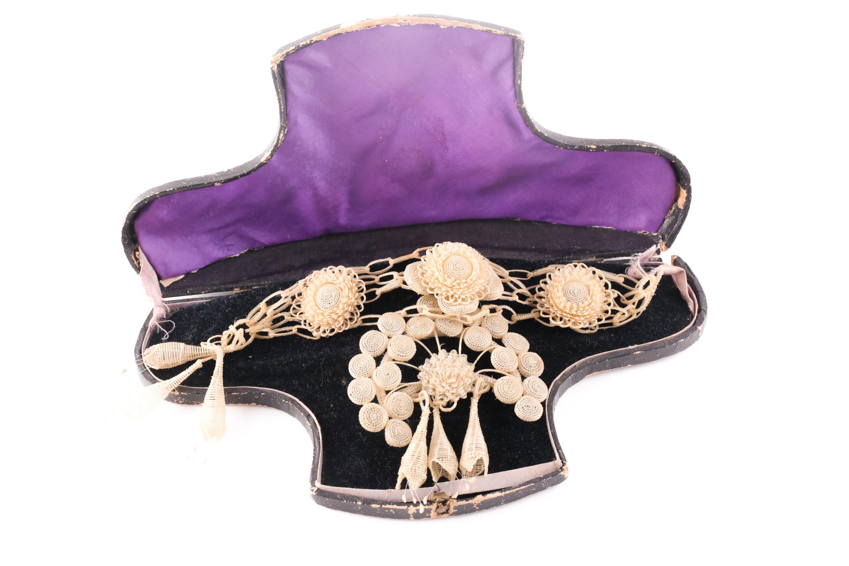 An unusual late Georgian catgut bracelet