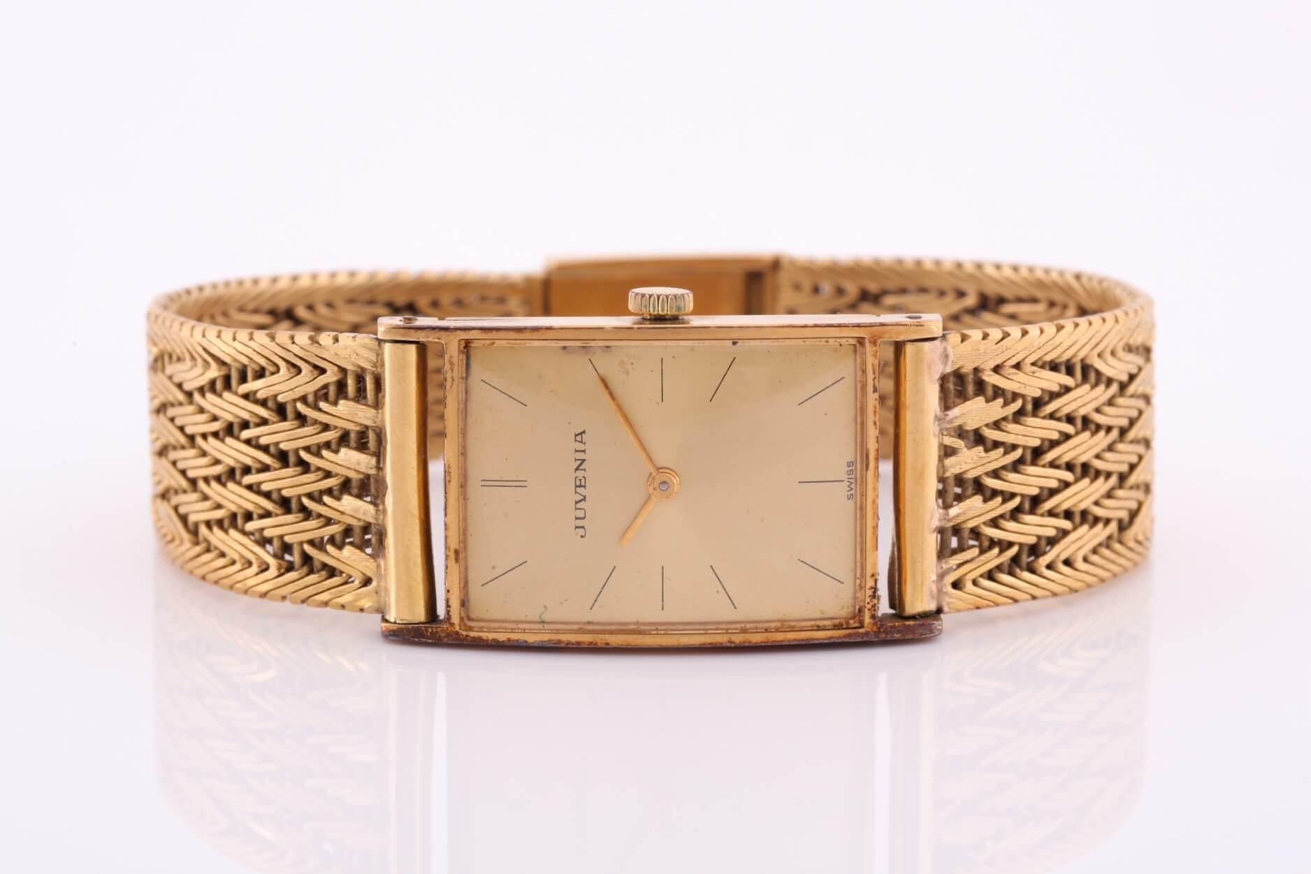 Juvenia wristwatch