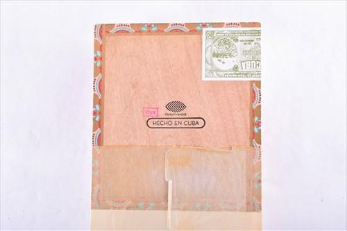 Lot 386 - A sealed box of 25 Bolivar Churchill cigars...