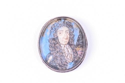 Lot 44 - A small portrait miniature of King William III,...
