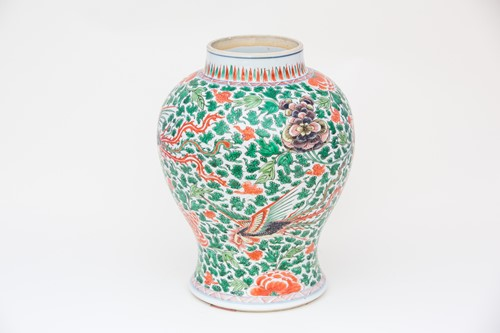 Lot 22-A Chinese famille verte vase, Kangxi, early...
