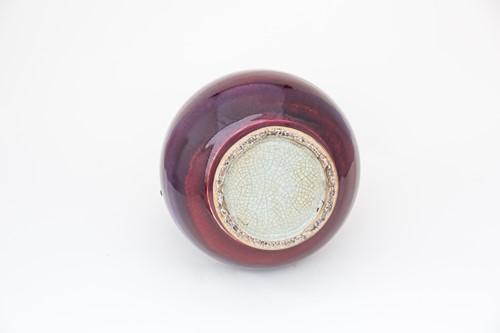 Lot 188 - 中国,红釉瓶一件,清代