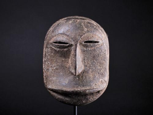 Lot 63 - A Hembe mask, Democratic Republic of Congo,...