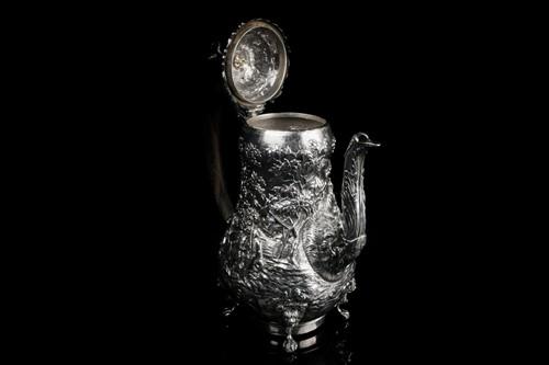 Lot 433 - A George IV fine silver coffee pot on...