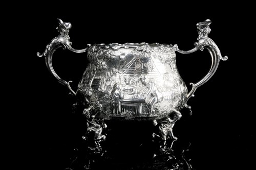 Lot 431 - A William IV / early Victorian silver creamer...