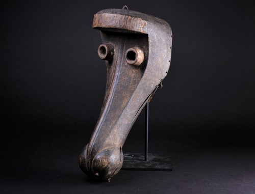 Lot 64 - A Dan Kran articulated zoomorphic mask, Ivory...