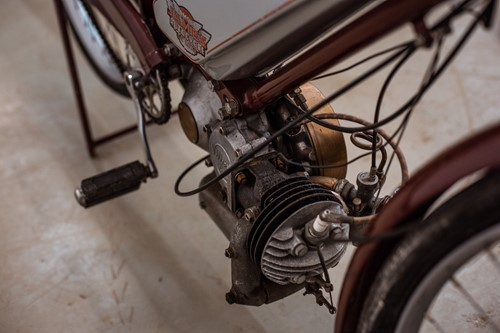 Lot 6 - A 1948 James Autocycle De Luxe, 98cc,...