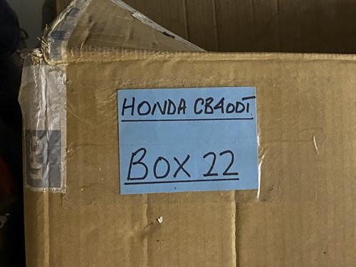 Lot 17 - Honda CB400T. Four (4) 1979 blue part...