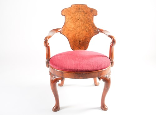 "Lot 149 - An early 18th century, c1720, walnut veneered ""..."