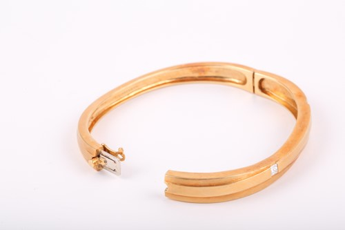 Lot 89 - Boodles. An 18ct yellow gold 'Kit and Kaboodle'...