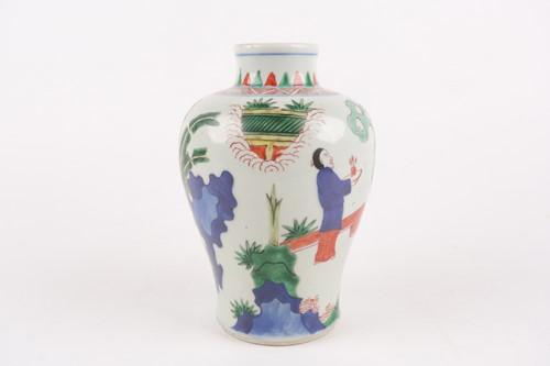 Lot 147 - A Chinese wucai vase, Shunzi, mid 17th century,...