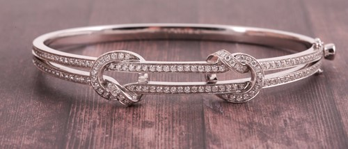 Lot 327 - Boodles. An 18ct white gold and diamond 'The...