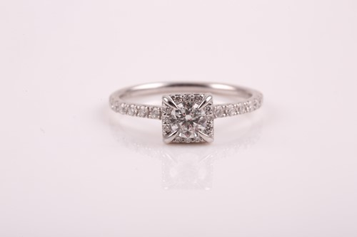 Lot 43 - A 14ct white gold and diamond cluster ring,...