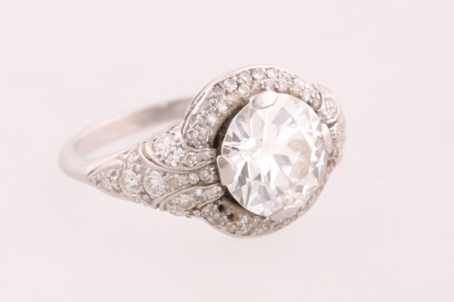 Lot 139 - A diamond cluster ring; the principal old...