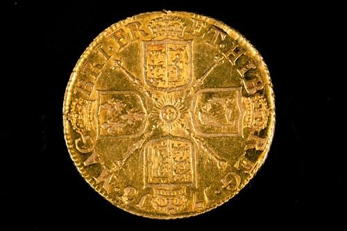 Lot 315 - British coins, Queen Anne, Guinea, 1713, third...
