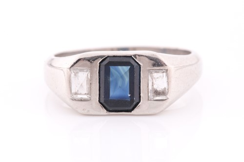 Lot 25 - A diamond and sapphire ring, set with a mixed...