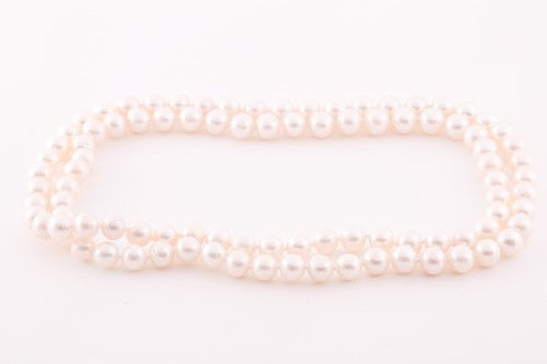 Lot 42 - A cultured pearl necklace, comprised of...