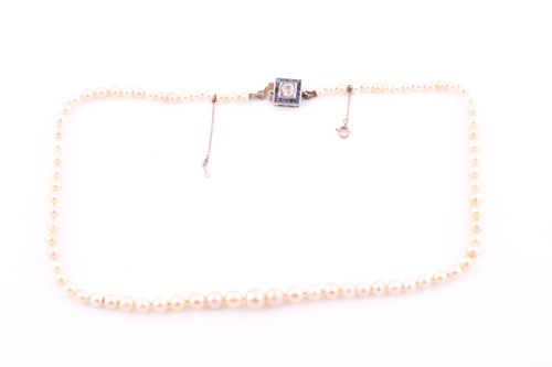 Lot 19 - A natural freshwater and saltwater pearl...